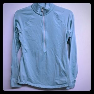 Fitted athletic top with fleese lining